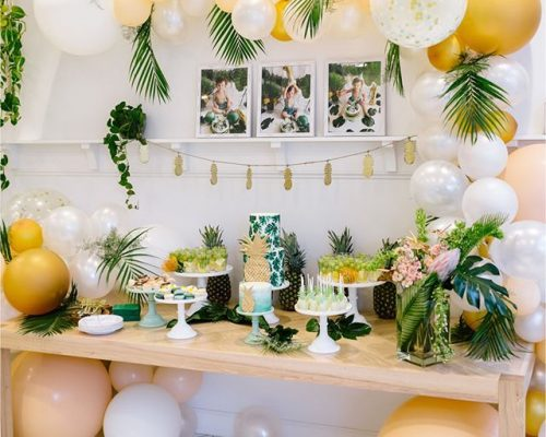 The holidays are full of events, parties, & shopping experiences. This boho holiday bash is three-in-one! The tropical themed party was hosted Events